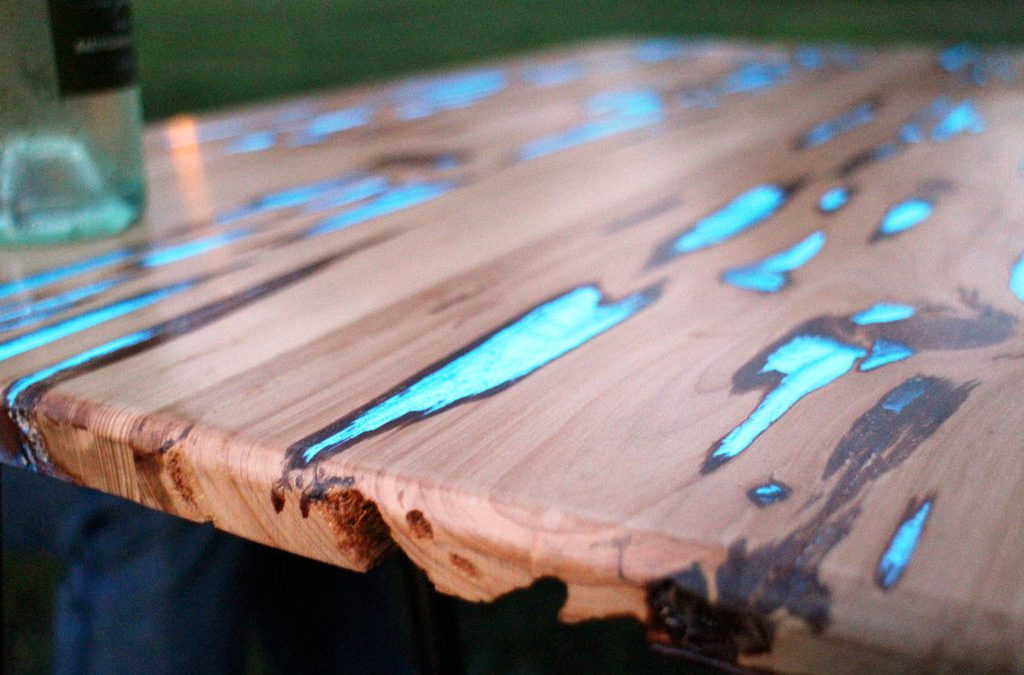 How to Make a Glow in the Dark Table?